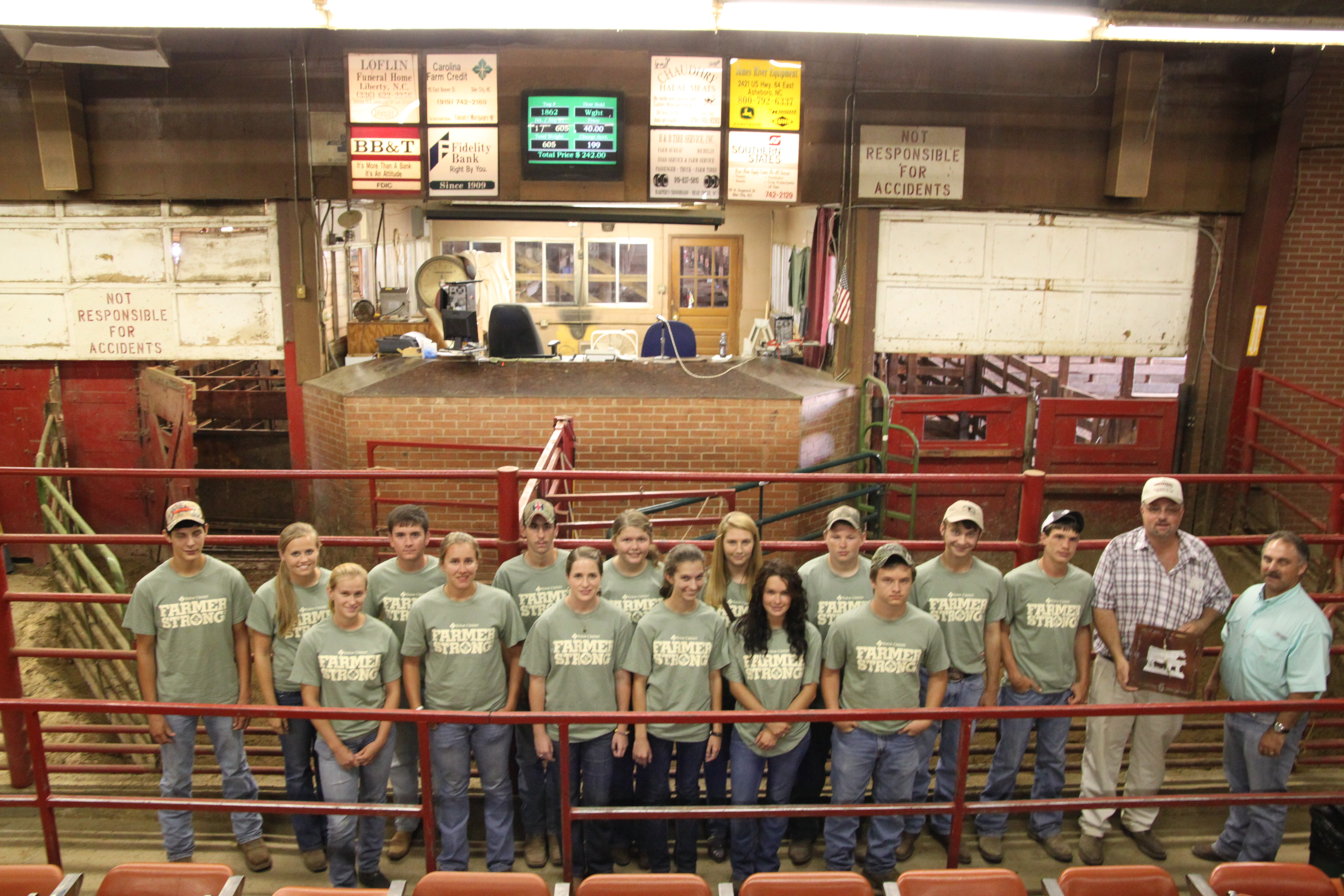 4-H members on the beef industry tour